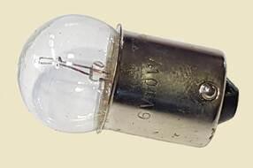 лампа указателя поворота с цоколем  6V10W
